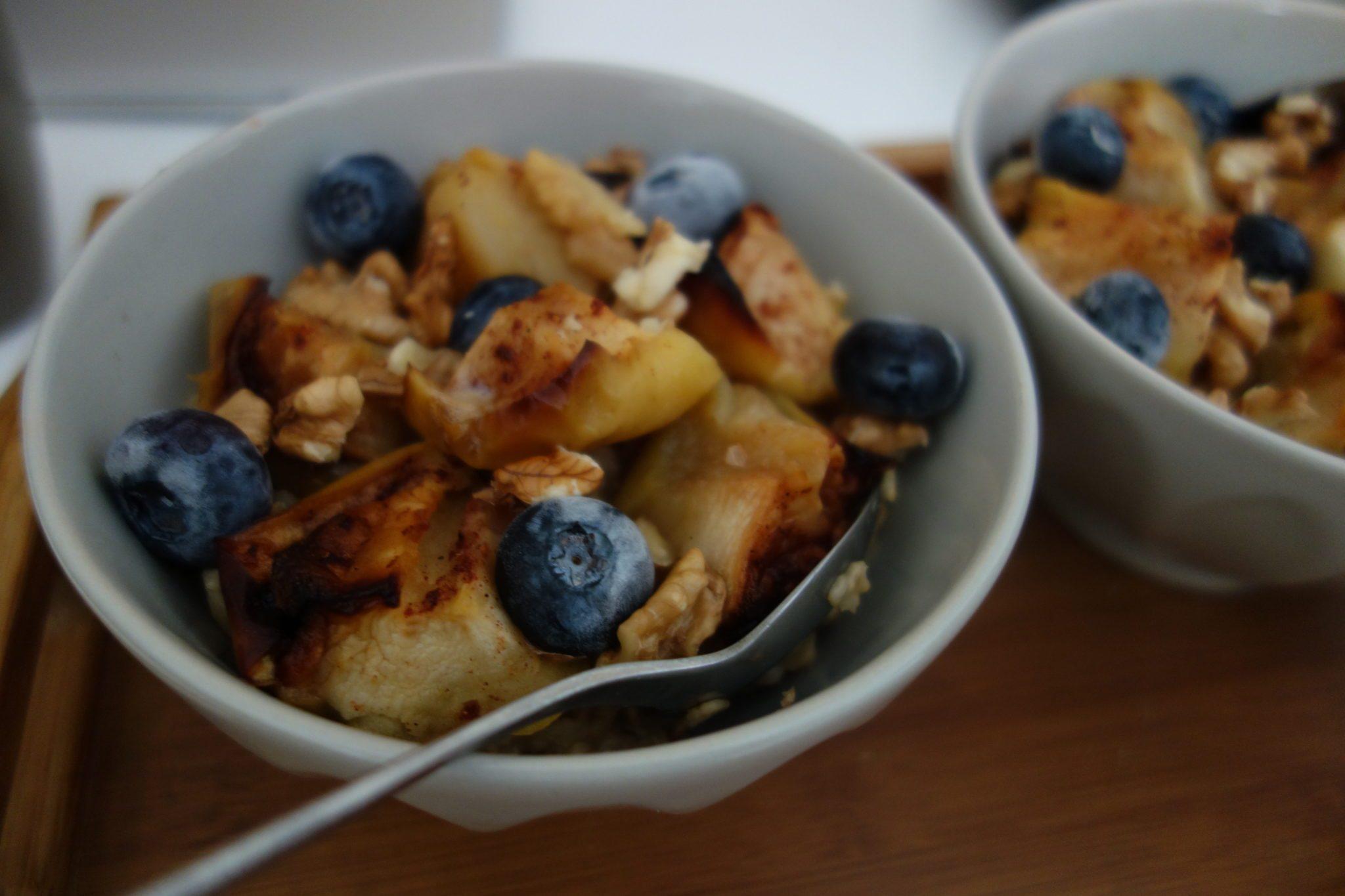 Summer healthy breakfast: Apple blueberries oatmeal