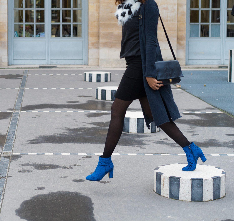 Autumn stroll in Paris in my blue velvet boots